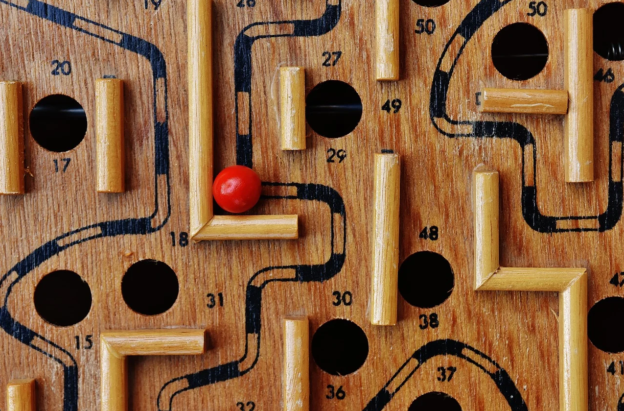 Image of red ball in maze