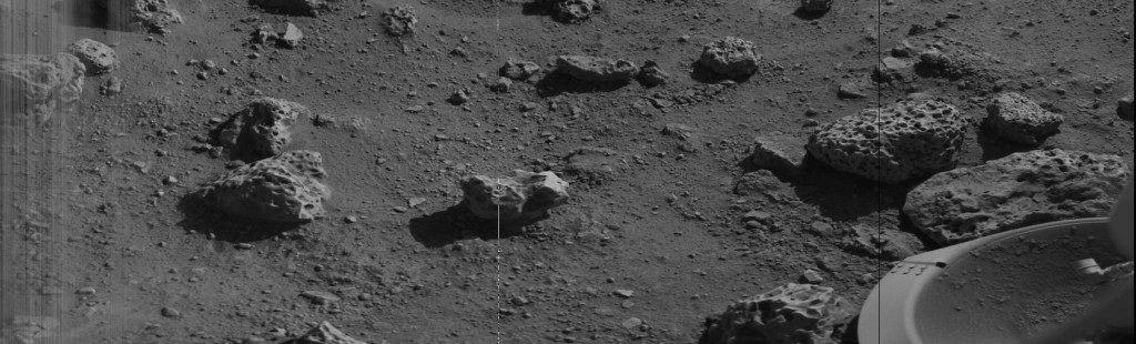 The first image returned from the Viking 2 lander on the surface of Mars. Credit: NASA.