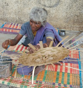 Female basket weaver Credit: Penny Vera Sanso and CLPHRS, Chennai